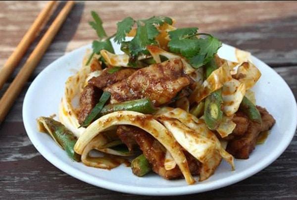 Bắp cải trắng xào thịt heo kiểu Thái