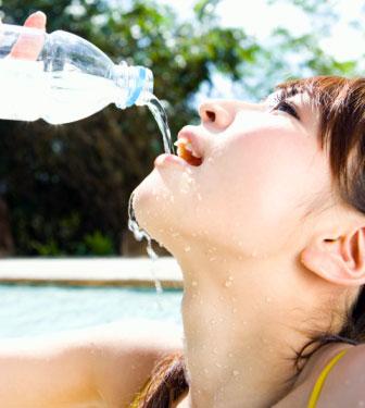dấu hiệu cảnh báo cơ thể thiếu nước