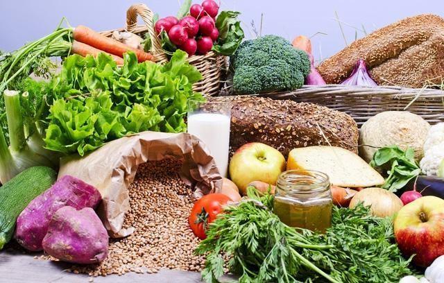 Kết quả hình ảnh cho chế độ dinh dưỡng cho người sau 50 tuổi
