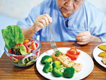Thực dưỡng cho người mắc bệnh lý nền_5efff554ce8c3.jpeg